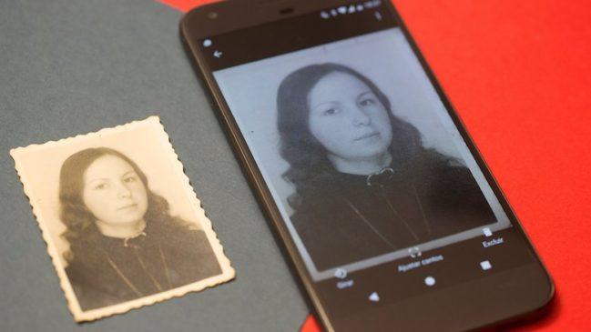 Cómo digitalizar tus fotos antiguas usando la cámara del móvil